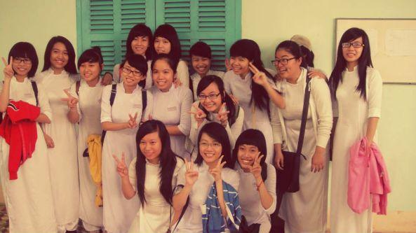 Học sinh THPT Nguyễn Văn Trooic Nha Trang